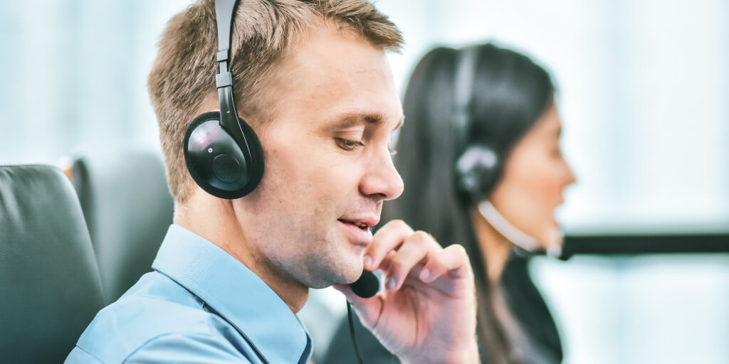 Top Customer Service Characteristics to Grow the Customer-First Mindset TW