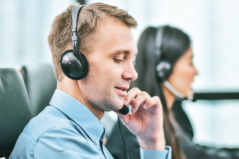 Top Customer Service Characteristics to Grow the Customer-First Mindset Featured